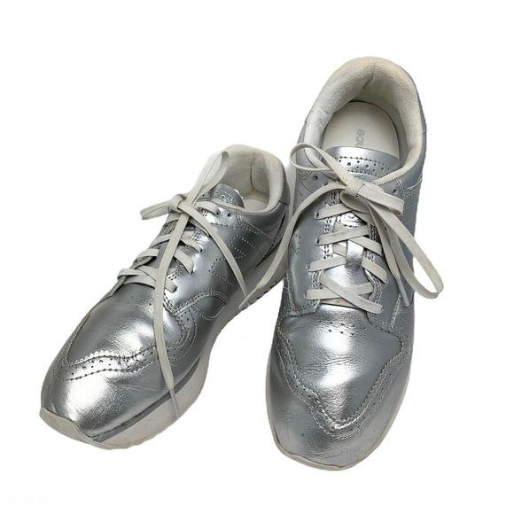 New Balance Shoes | 520 Silver Platform